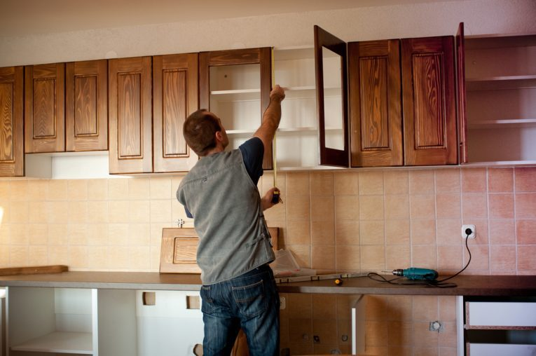 cabinet refinishing / refacing